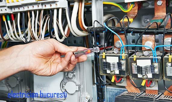 Electrician: atribuții de muncă, perspective de angajare și cerințe educaționale