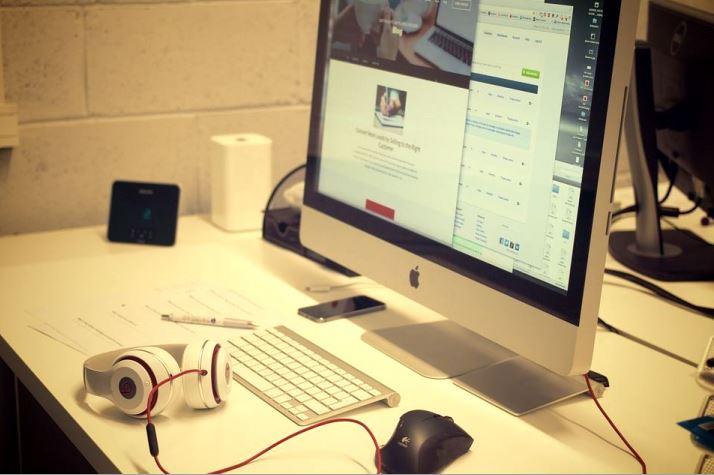 Munca la domiciliu – cum sa deveniti vlogger