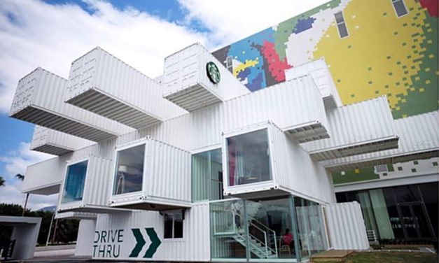 Kengo Kuma a creat o cafenea Starbucks din containere de transport reciclate